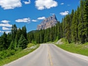 Canada_Alberta_Banff-National-Park_Bow-Valley_Parkway_shutterstock_283407011