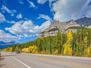 Canada_Alberta_Banff-National-Park_Bow-Valley_Parkway_shutterstock_350718464