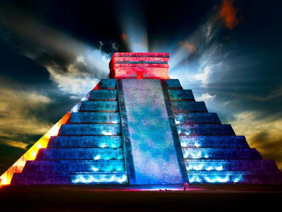 Mexico_Chichen_Itza_Night_shutterstock_101839963