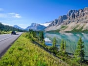 Canada_Alberta_Banff_Rock-Mountains_Bow-Lake-near-Icefields-Parkway_shutterstock_556883380