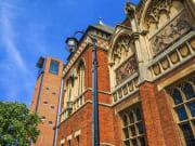 UK_England_Stratford-Upon-Avon_Shakespeare-Memorial-Theatre_shutterstock_103990295