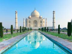 Enjoy a walking tour of Taj Mahal