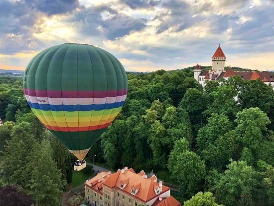 Hot air balloon ride over Konopiste