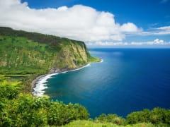 Hawaii_Big_Island_Waipio_Valley_Lookout_shutterstock
