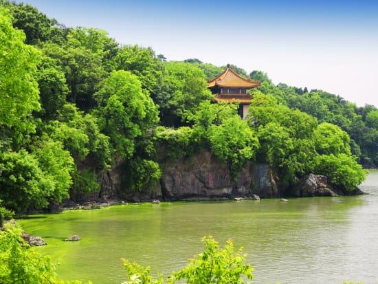 China_Tai_Taihu_Lake_shutterstock_761390407
