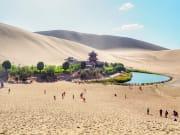 China_Dunhuang_Yueyaquan_shutterstock_1064294180 - コピー - コピー
