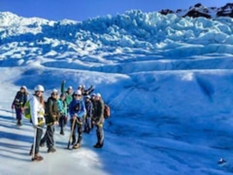 アイスランド宿泊(周遊)ツアー