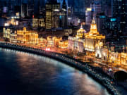 China_Shanghai_Bund_Night_Cityscape_shutterstock_380651038