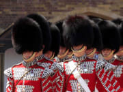 buckingham-palace-royal-guard-1920-x-1080
