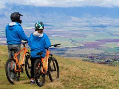 Hawaii_Maui_Bike Maui_overlooking-the-valley-isle