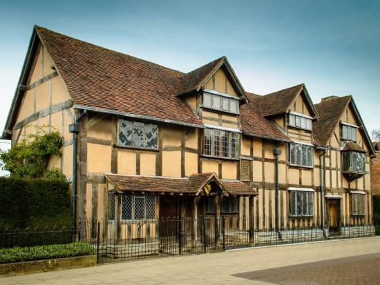 UK_Stratford-upon-Avon_Shakespeare's Birthplace_shutterstock_620366108