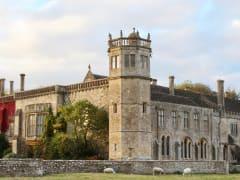 UK_Lacock abbey_shutterstock_734630401