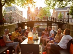Netherlands_Amsterdam_canal_cruise_people