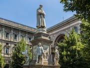 Italy_Milan_Piazza della Scala