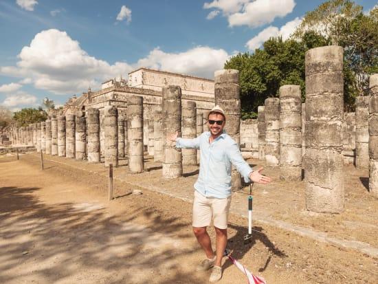 Cancun_Chichen Itza temple_Shutterstock