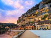 France_Dordogne_La Roque Gageac_shutterstock_111