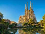 Spain_Barcelona_Sagrada_Familia_AdobeStock_1316048