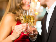 Generic_Couple_Champagne_shutterstock_137911007