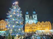 Czech Republic_Prague_Christmas Market in Stare Mesto old squareshutterstock_770882902