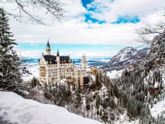 Germany_Bavaria_Neuschwanstein_Castle_Winter_Snow_shutterstock_390419281