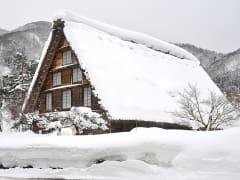 冬・合掌民家2