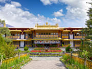 Tibet_shutterstock_237577597