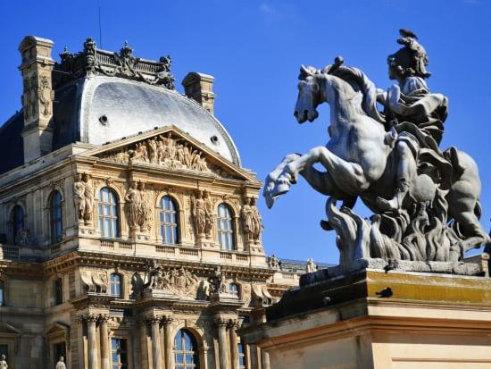 France_Paris_The-Lourve-Museum_22498779_ML