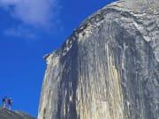 USA_California_Yosemite_National_Park_Half_Dome_Hikers_shutterstock_80097637