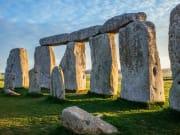 UK_England_Stonehenge_angle