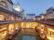 UK_bath_roman_baths_night