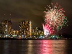 Hawaii_Oahu_Fireworks_01