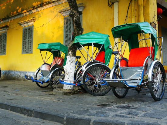 Vietnam_Hanoi_Cyclo_738551431