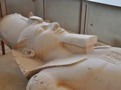 Egypt_Memphis_Ramsis_II_Statue_shutterstock_78421003