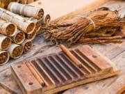Cuba_Vinales_Valley_Tobacco_shutterstock_532830346