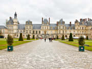 France_Paris_Palace-of-Fontainebleau_shutterstock_101567152