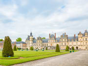 France_Paris_Palace-of-Fontainebleau_shutterstock_485832703
