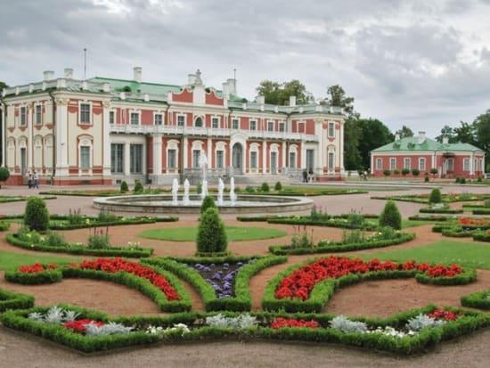Estonia_Kadriorg_Palace_123RF_8633644_ML