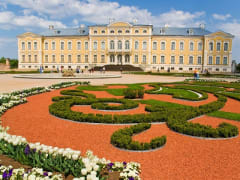 Latvia_Rundale_Palace_123RF4234593_ML