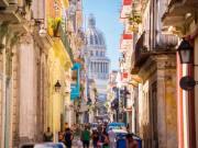 Cuba_Havana_Street_shutterstock_1091636783