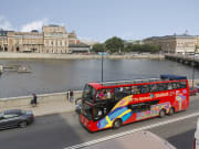 stockholm city sightseeing bus near the river