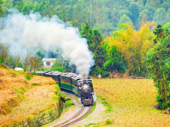 China_Chengdu_Railway_shutterstock_656759146