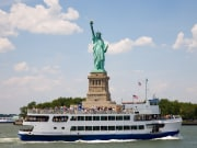 USA_NewYork_Statue_of_Liberty_Cruise_Ferry_shutterstock_3900586