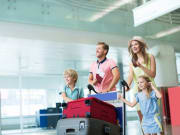 airport family with kids traveling