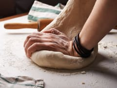 Dough_bread_kneed_baker_bake