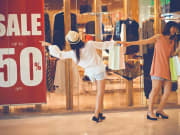 Shopping_Girls_Sale