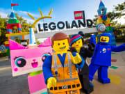 USA_California_Starline Tours_Legoland-california-resort-costume characters