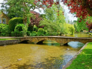 UK_Cotswolds_Bourton_shutterstock_387793135