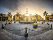 Plaza Armas Lima_391854595