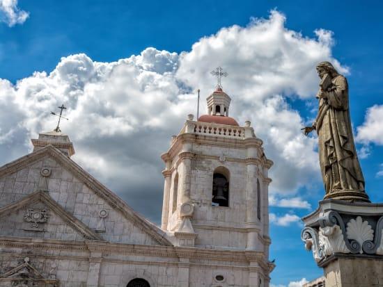 outside minor basilica of the child jesus in cebu