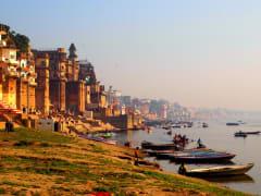 India_Varanasi_river_shutterstock_284492903